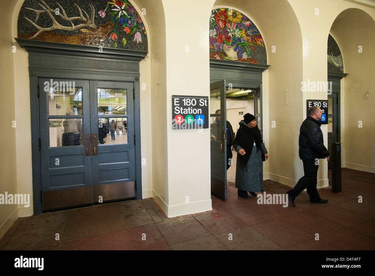 East 180th Street High Resolution Stock Photography And Images Alamy
