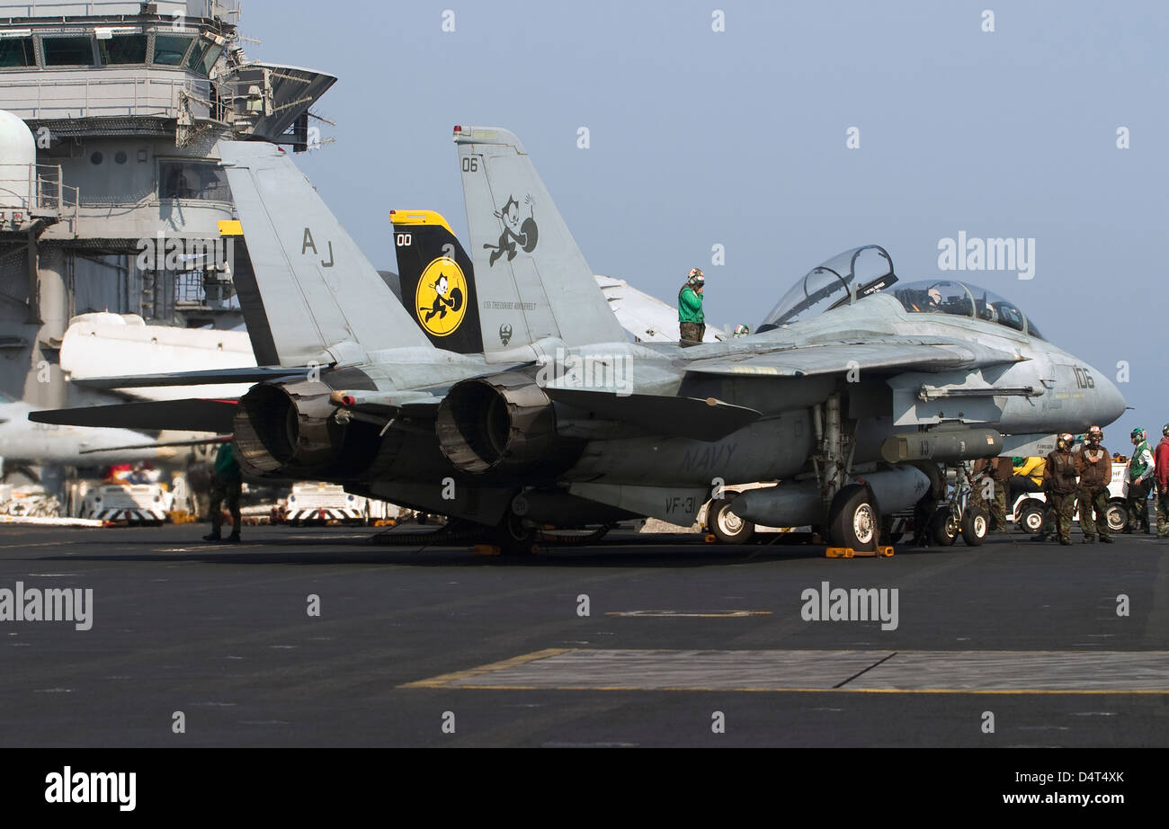 An F-14D Tomcat on the flight deck of USS Theodore Roosevelt. Stock Photo