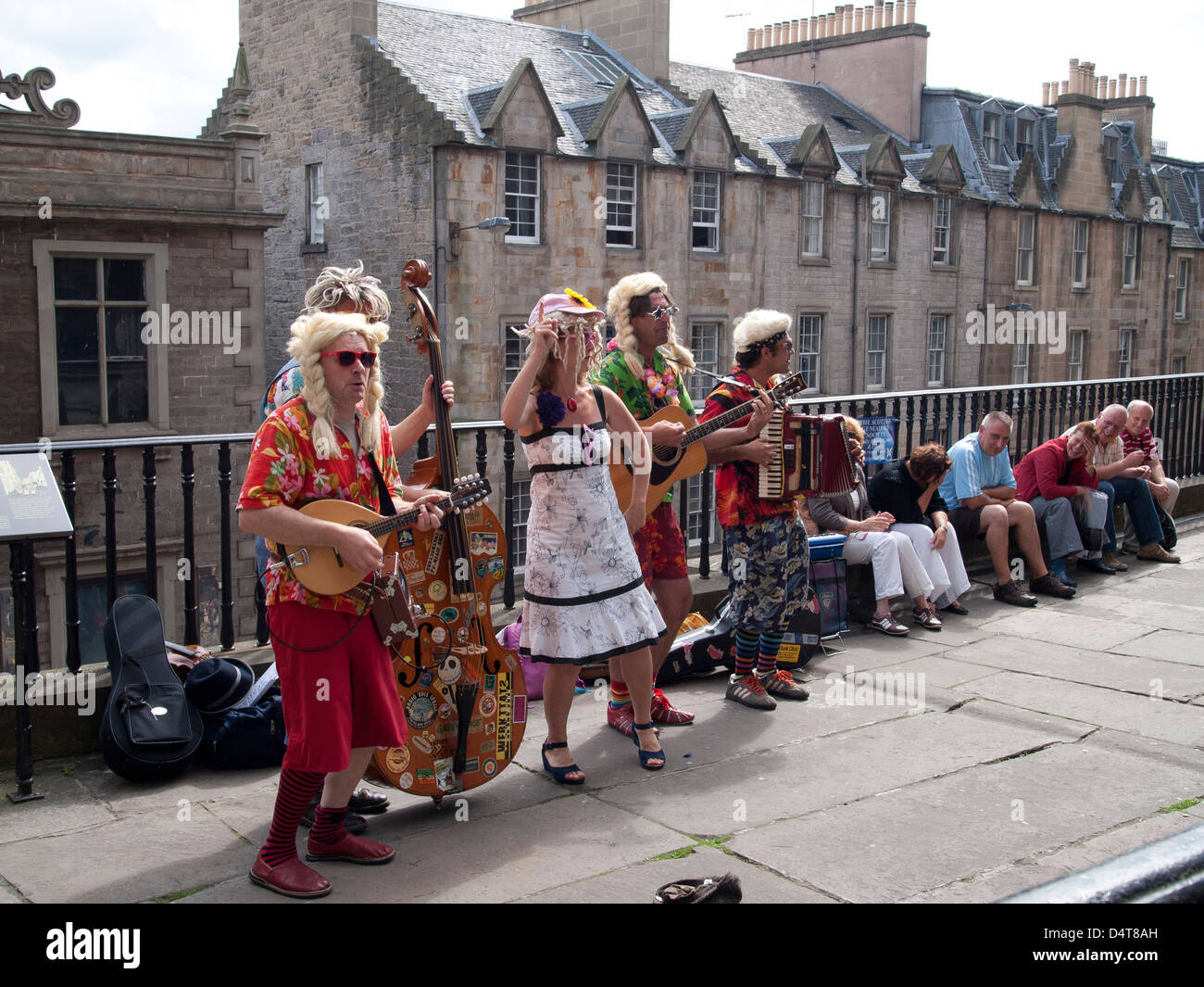 street musicians perform at west bow street theatre festival fringe - Stock Image