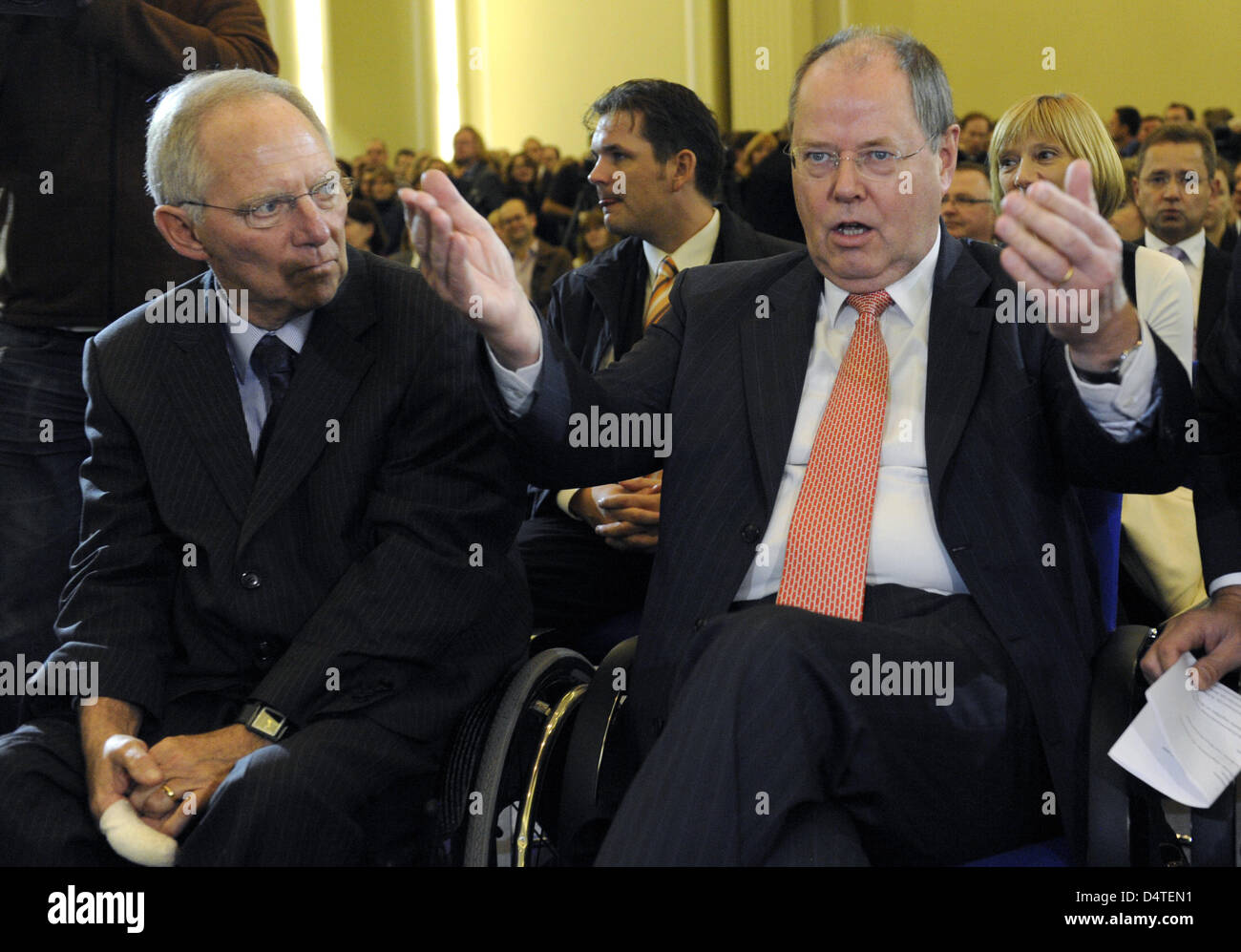 Peer Steinbrueck and new Minister of Finance Wolfgang Schaueble arrive for the assumption of the Ministry of Finance - Stock Image