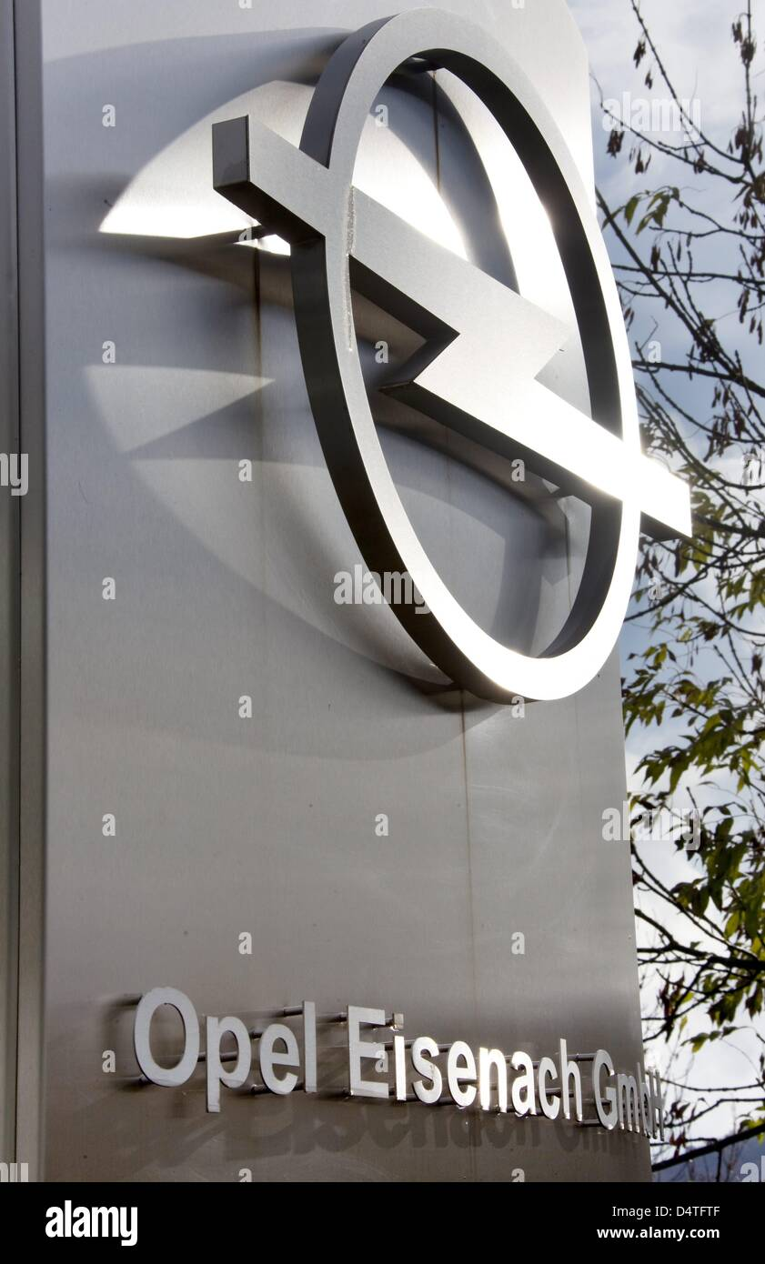 The Opel logo pictured at the factory in Eisenach, Germany, 04 November 2009. Opel owner General Motors (GM) surprisingly - Stock Image