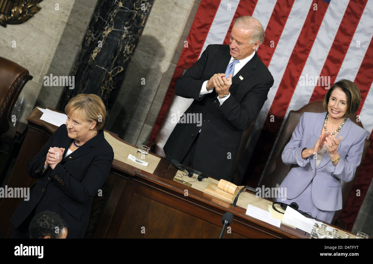 German Chancellor Angela Merkel thanks for the standing ovations after her speech to the US congress US Congress - Stock Image
