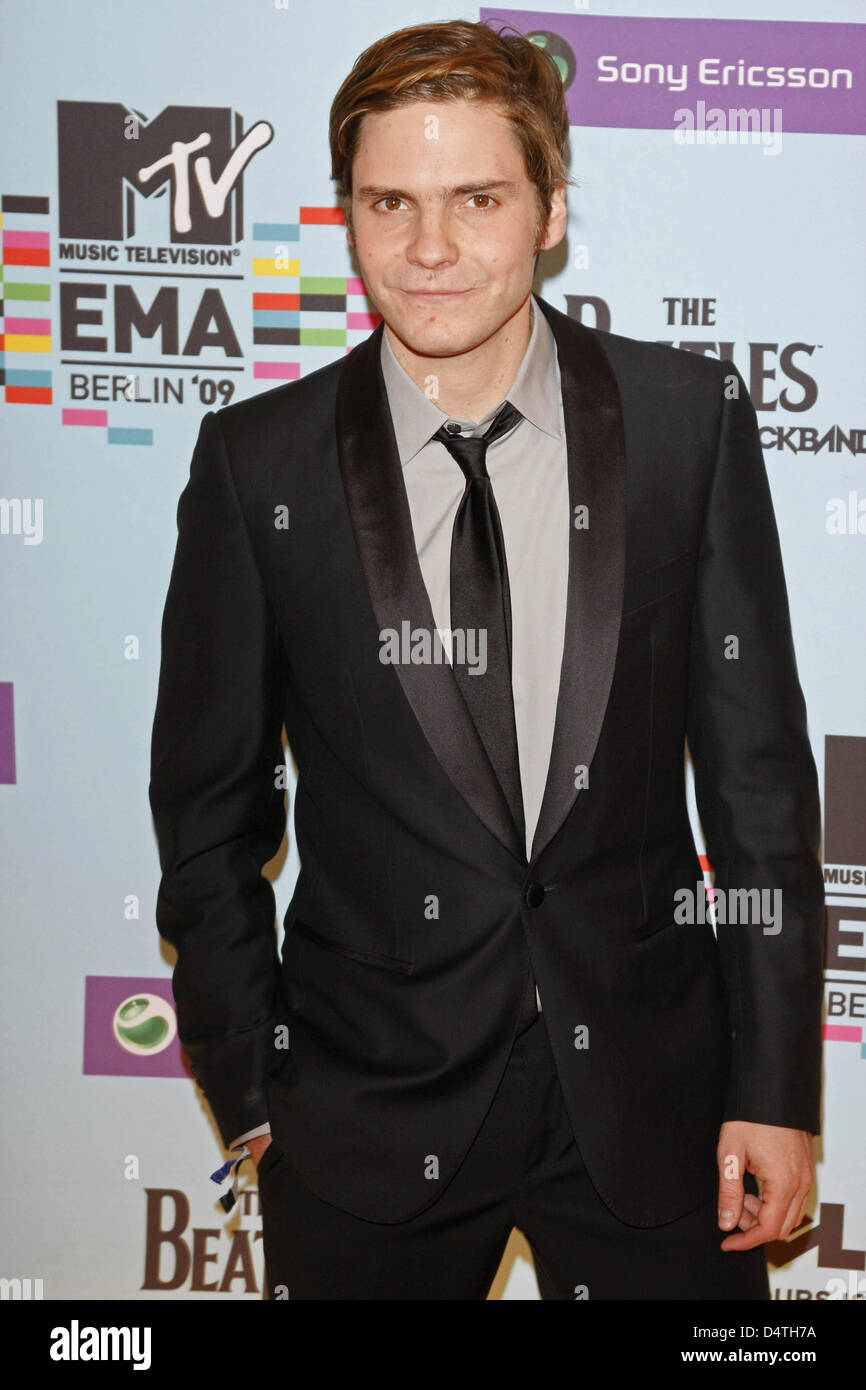 Daniel Bruehl Where Stock Photos Images Emas 05 Gran German Actor Arrives At The Mtv Europe Music Awards O2 World In Berlin