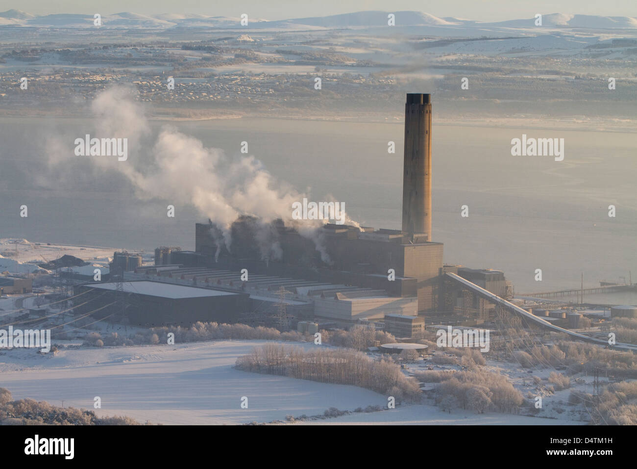 An aerial  view of ScottishPower's Longannet power station on the north bank of the Firth of Forth near Kincardine, - Stock Image