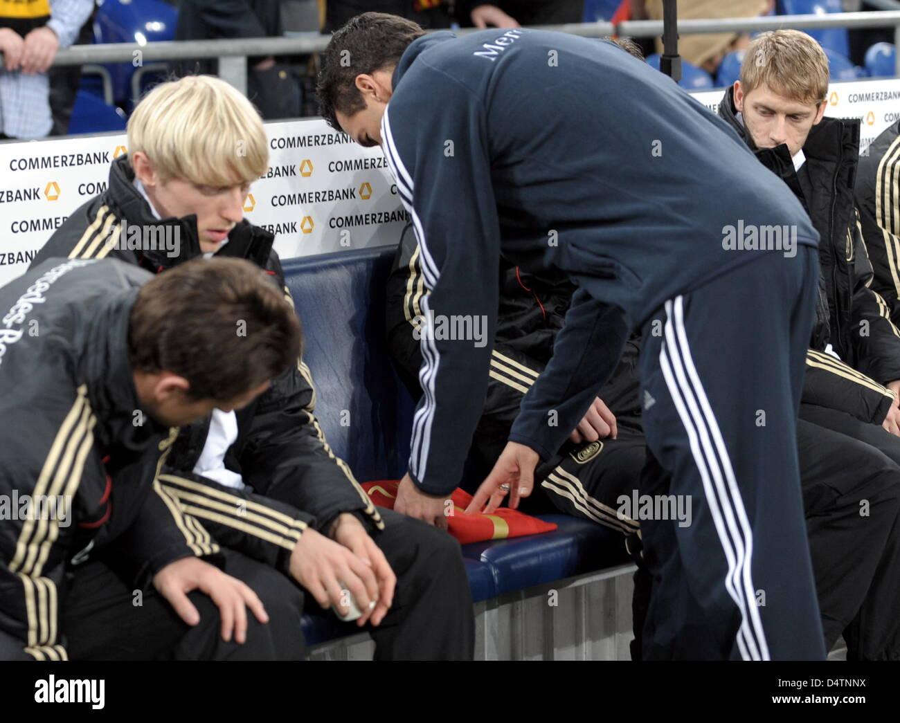 Fußball Freundschaftsländerspiel: Deutschland - Elfenbeinküste am Mittwoch (18.11.2009) in der Veltins - Stock Image