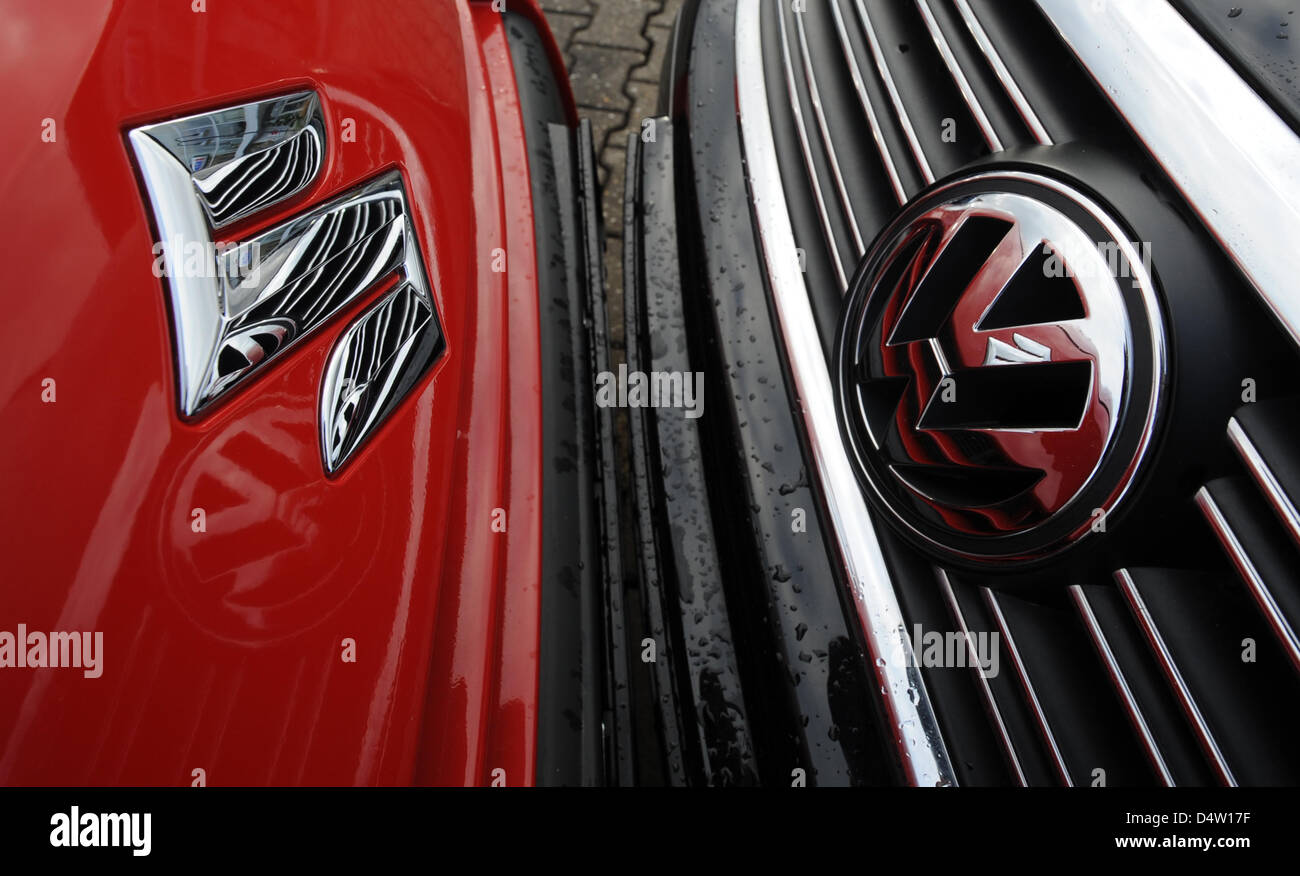 Suzuki Car Logo Stock Photos Suzuki Car Logo Stock Images Alamy