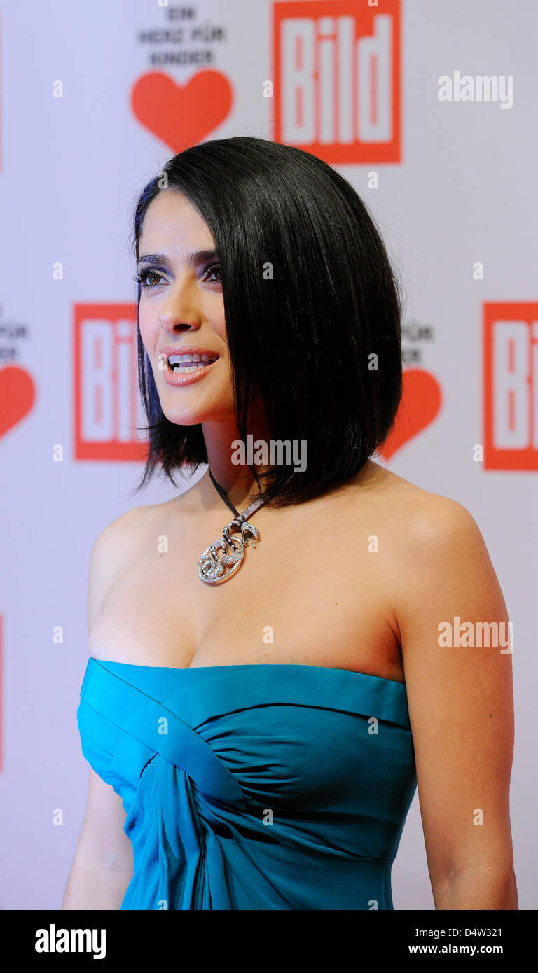 0076189caa06 Mexican actress Salma Hayek at the charity gala  A Heart for Children  ( Ein  Herz für Kinder ) in Berlin, Germany, 12 December 2009.
