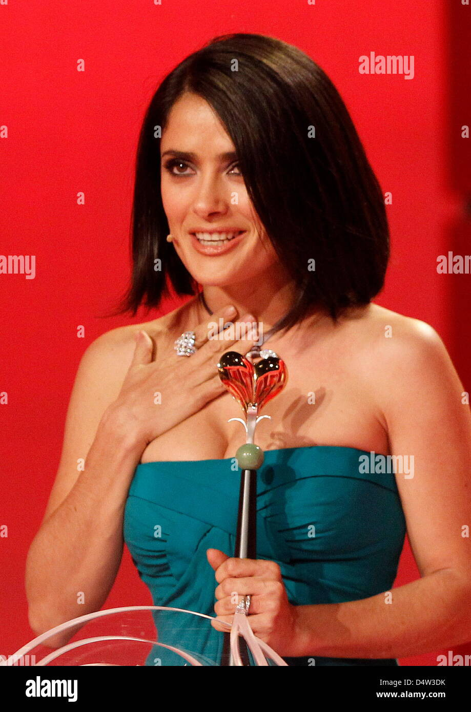 Mexican actress Salma Hayek receives the Golden Heart award for her worldwide engagement against poverty during Stock Photo