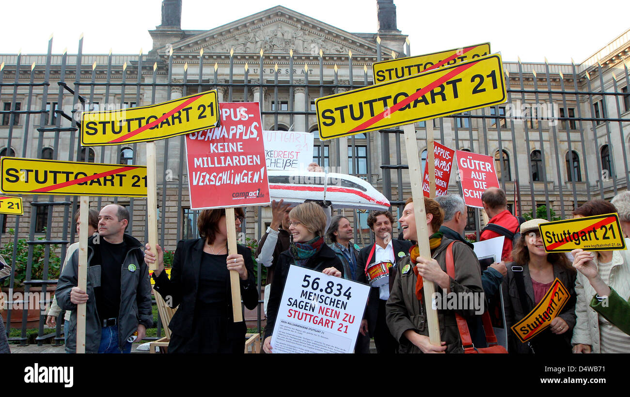People protest against heavily disputed railway station project Stuttgart 21 in Berlin, Germany, 24 September 2010. Stock Photo