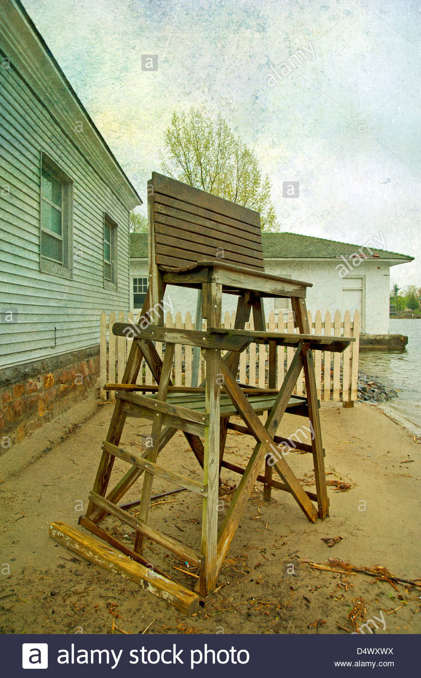 Old abandoned lifeguard chair on the beach, Alexandria Bay, New York - Stock Image