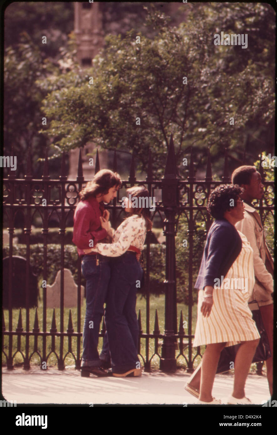Springtime Scene by the Fence outside Historic Trinity Church at Broadway and Wall Street, Lower Manhattan 05/1973 - Stock Image