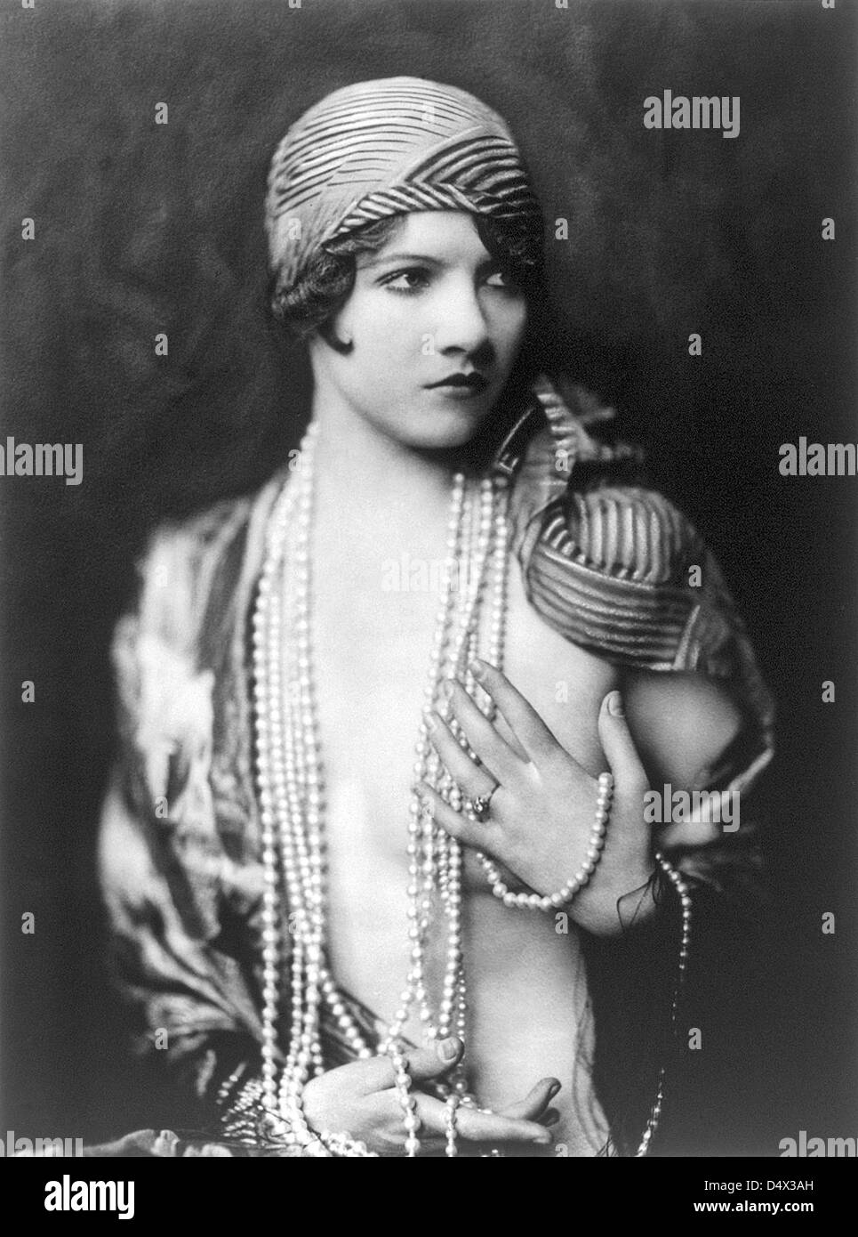 JEAN ACKERMAN  US film actress about 1930 when a member of the Ziegfeld Girls - Stock Image