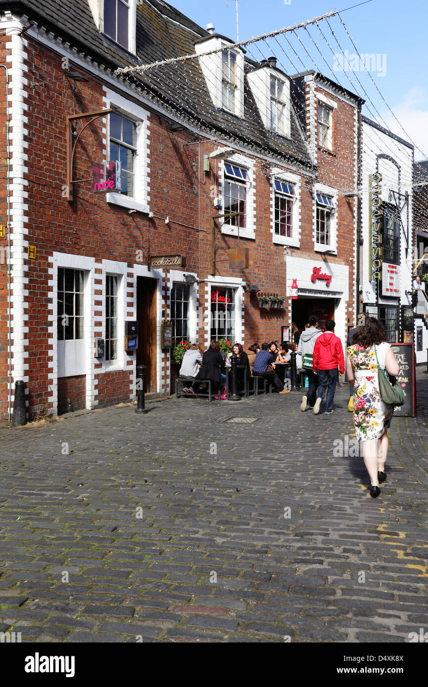 Ashton Lane off Byres Road in the West End of Glasgow, Scotland, UK - Stock Image