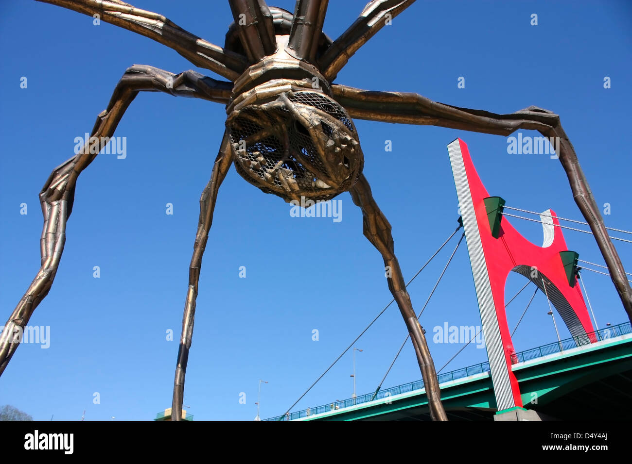 La Salve bridge, the gateway to the city of Bilbao, and The giant spider 'Mama'. the Guggenheim Museum, - Stock Image