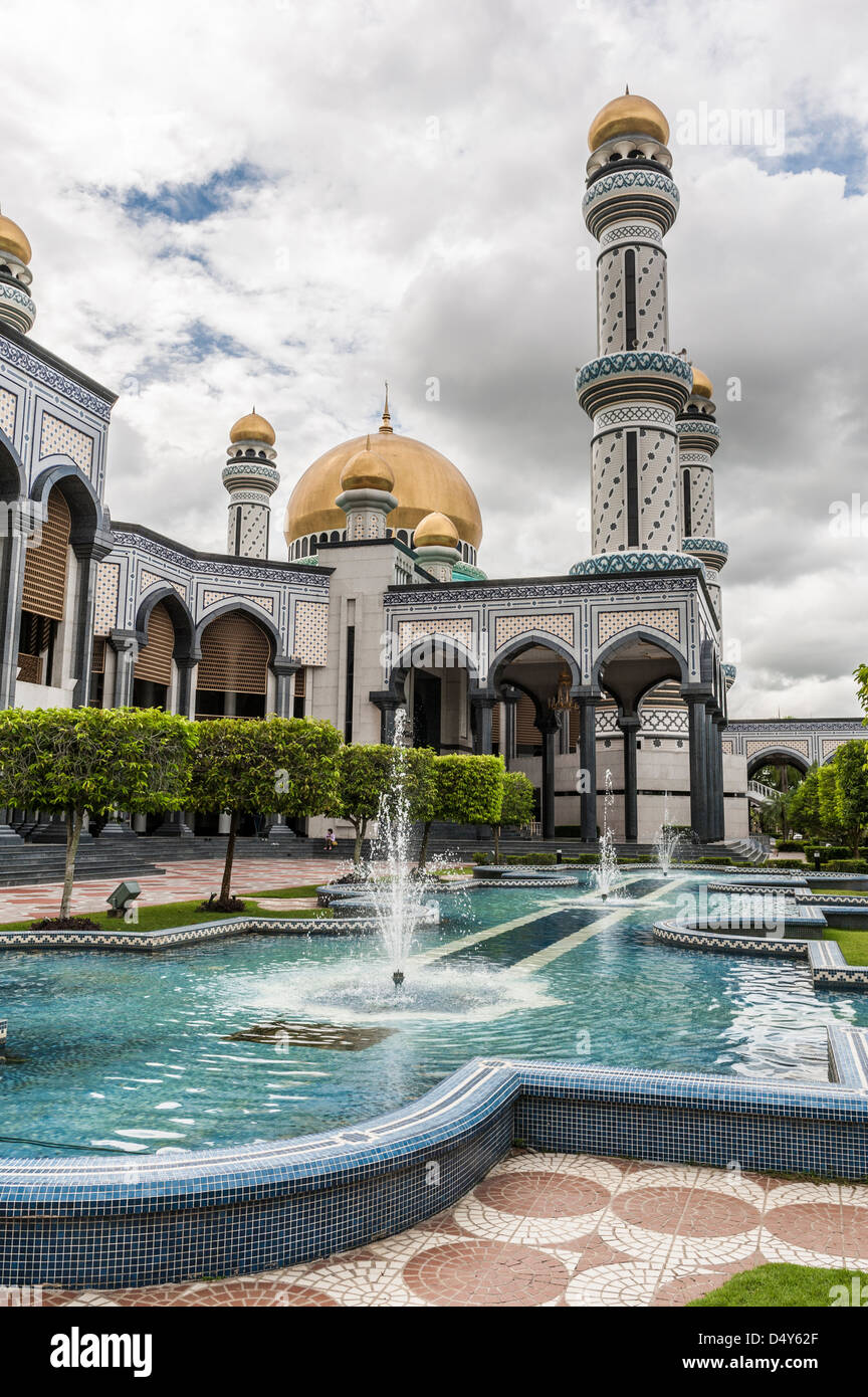 View of Jame´Asr Hassanil Bolkiah, Bandar Seri Bengawan mosque, Brunei, Borneo, Asia - Stock Image