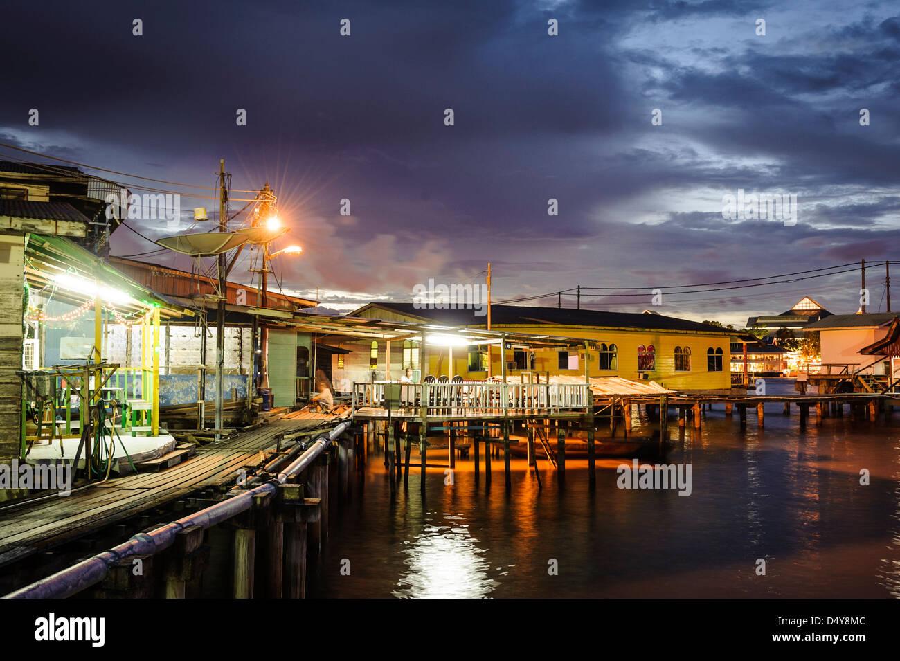 Stilt houses of the Kampung Ayer neighbourhood, Bandar Seri Bengawan, Brunei, Asia - Stock Image