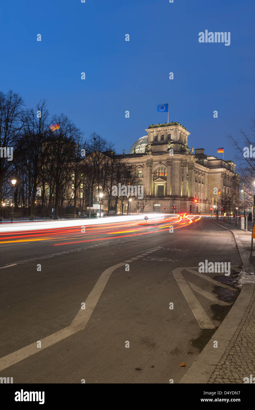 The Bundestag at night,with traffic on Ebertstrasse,Berlin,Germany - Stock Image