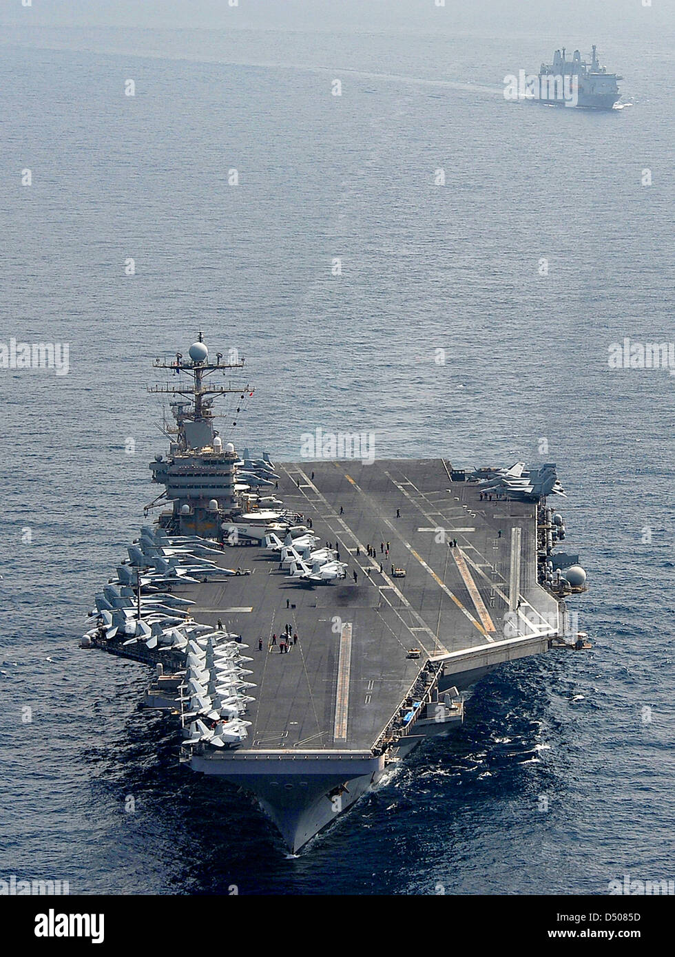 US Navy Nimitz-class aircraft carrier USS Abraham Lincoln operates April 21, 2012 in the Arabian Sea. - Stock Image