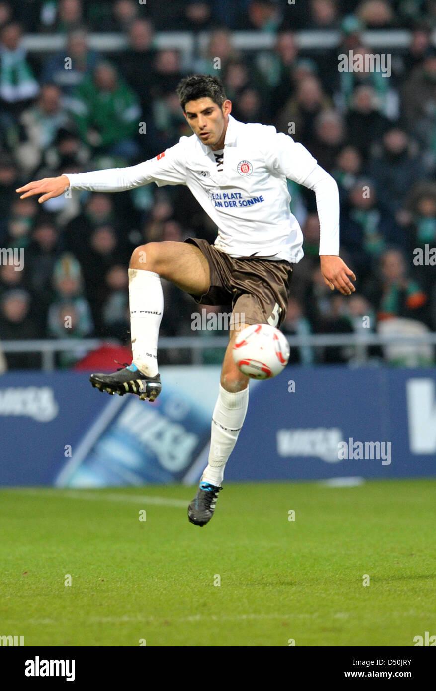 Fu§ball Bundesliga 14. Spieltag: Werder Bremen -FC St. Pauli am Sonntag (28.11.2010) im Weserstadion in Bremen. - Stock Image
