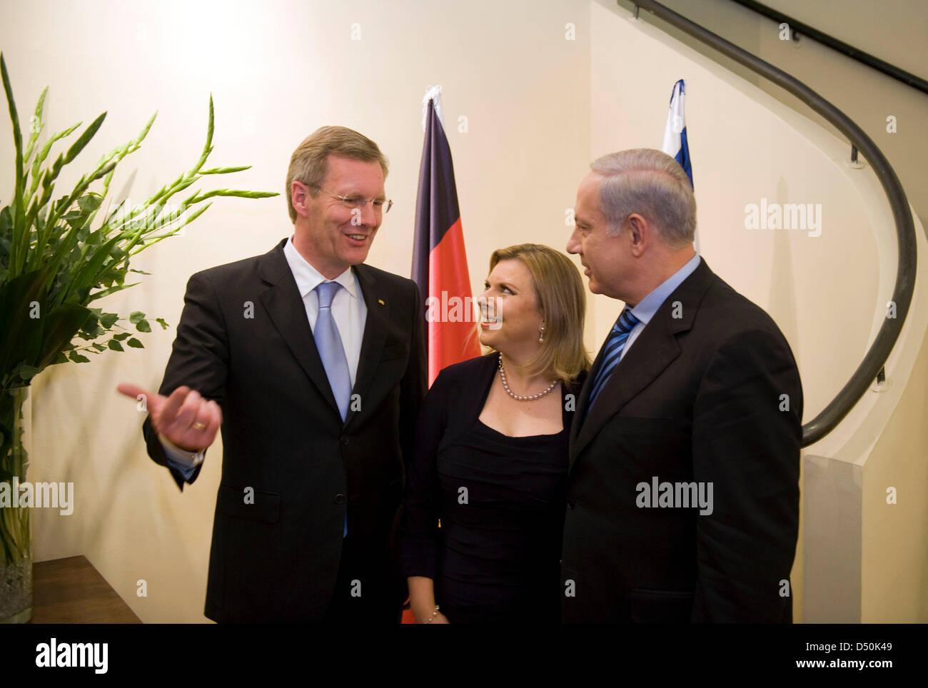 Bundespräsident Christian Wulff(l) wird am Montag (29.11.2010) von Israels Premierminister Benjamin Netanjahu - Stock Image