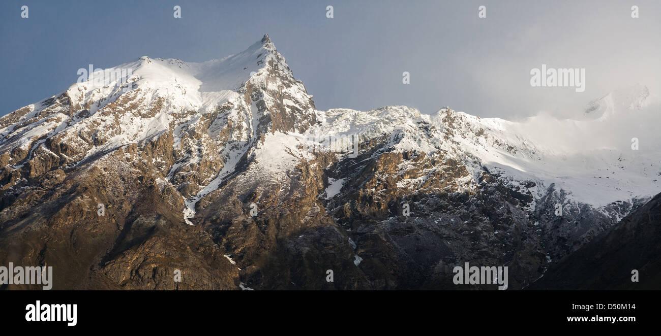 Askoli Karakoram Mountains Panorama under fresh snow - Stock Image