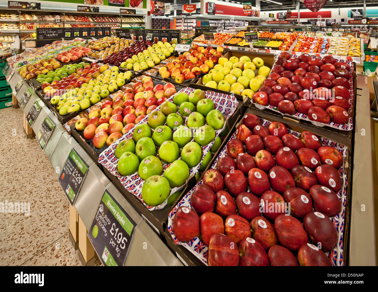 Display of apples at a supermarket - Stock Image