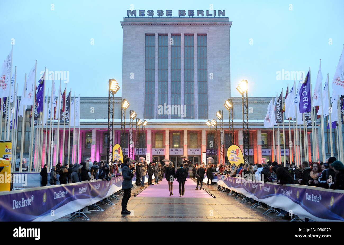 Guests arrive for the 2013 Echo Music Awards in front of the fair ground in Berlin, Germany, 21 March 2013. Photo: - Stock Image