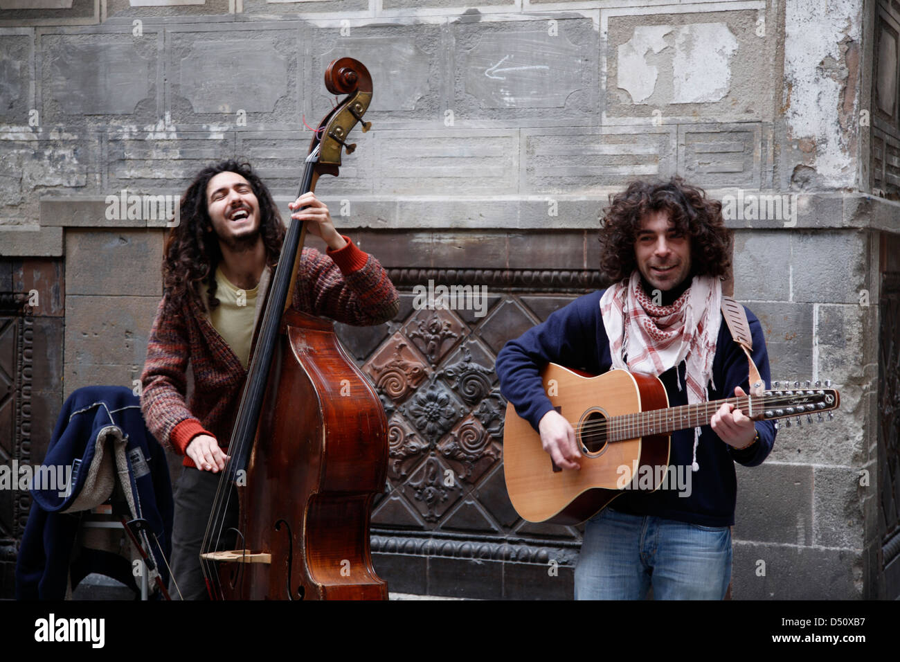 Street musicians at Barri Gotic, Barcelona, Spain - Stock Image