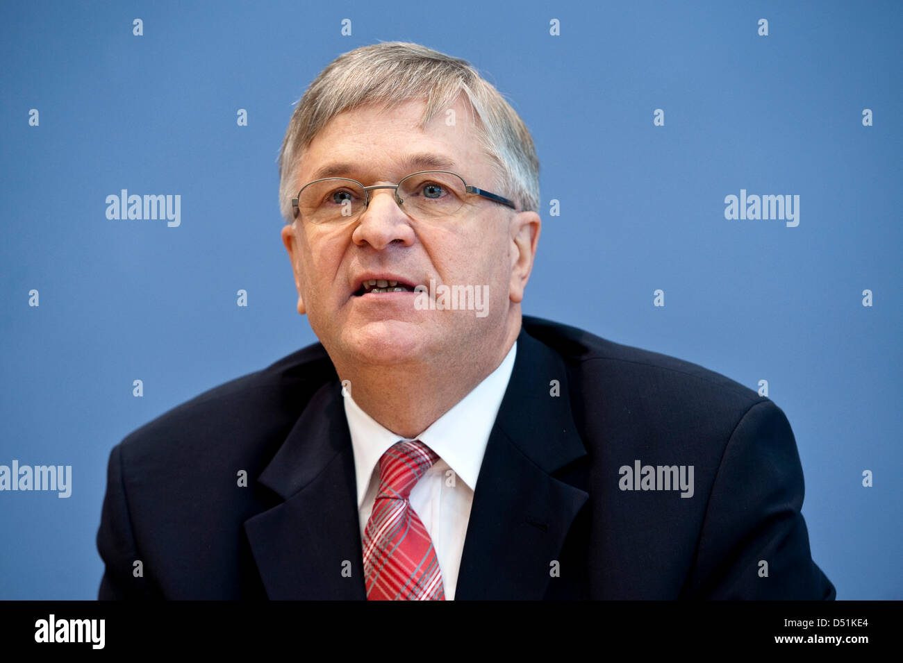 Parliamentary state secretary at the Ministry of Economy Peter Hintze speaks at a press conference concerning the - Stock Image