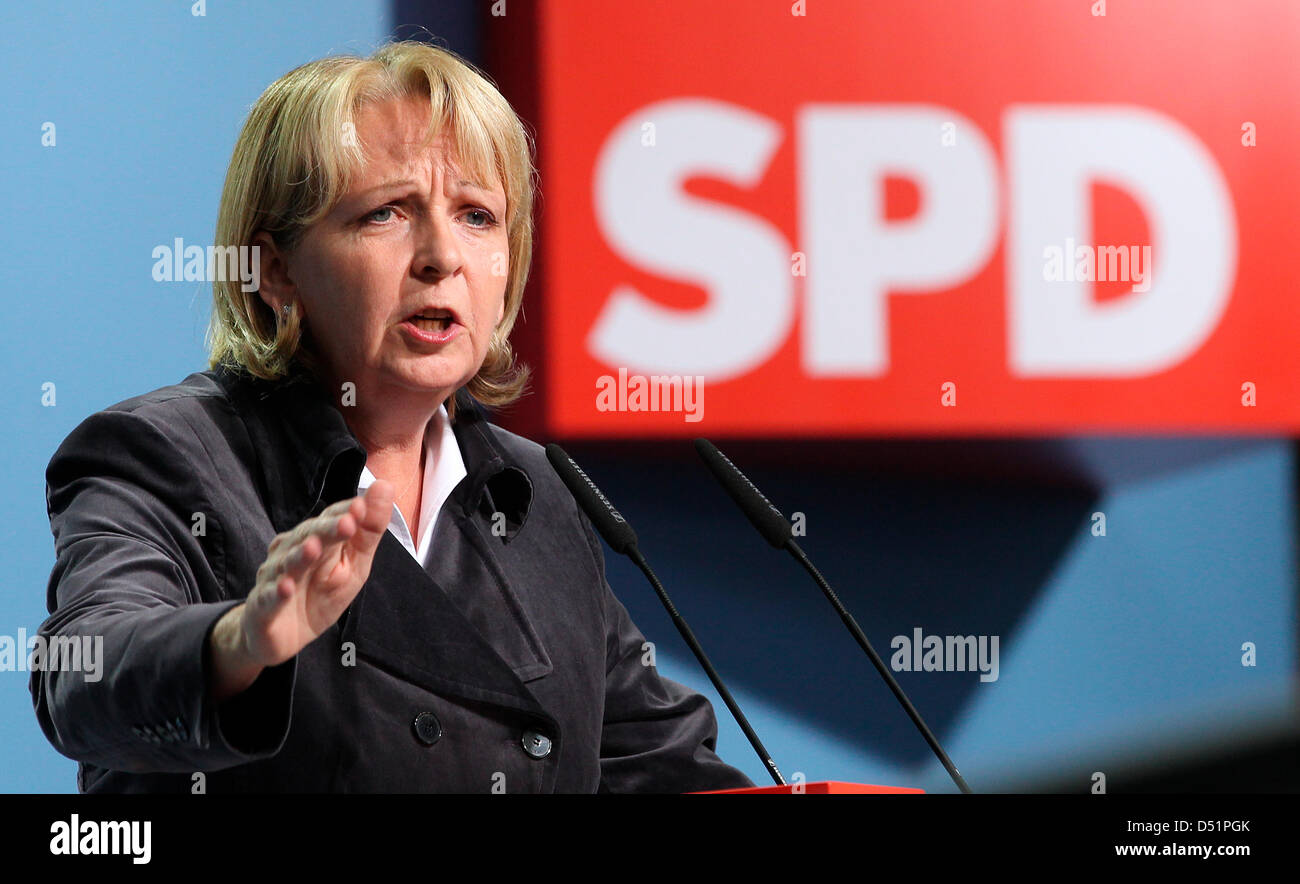 North Rhine-Westphalia's Prime Minister Hannelore Kraft speaks during the Social Democrats SPD general party - Stock Image