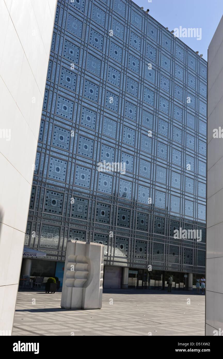 The Arab World Institute (Institut du Monde Arabe), Paris, France. - Stock Image