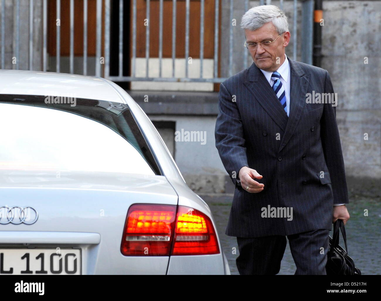 Head of the German construction company Hochtief, Herbert Luetkestratkoetter, leaves the ministry of economcs after - Stock Image