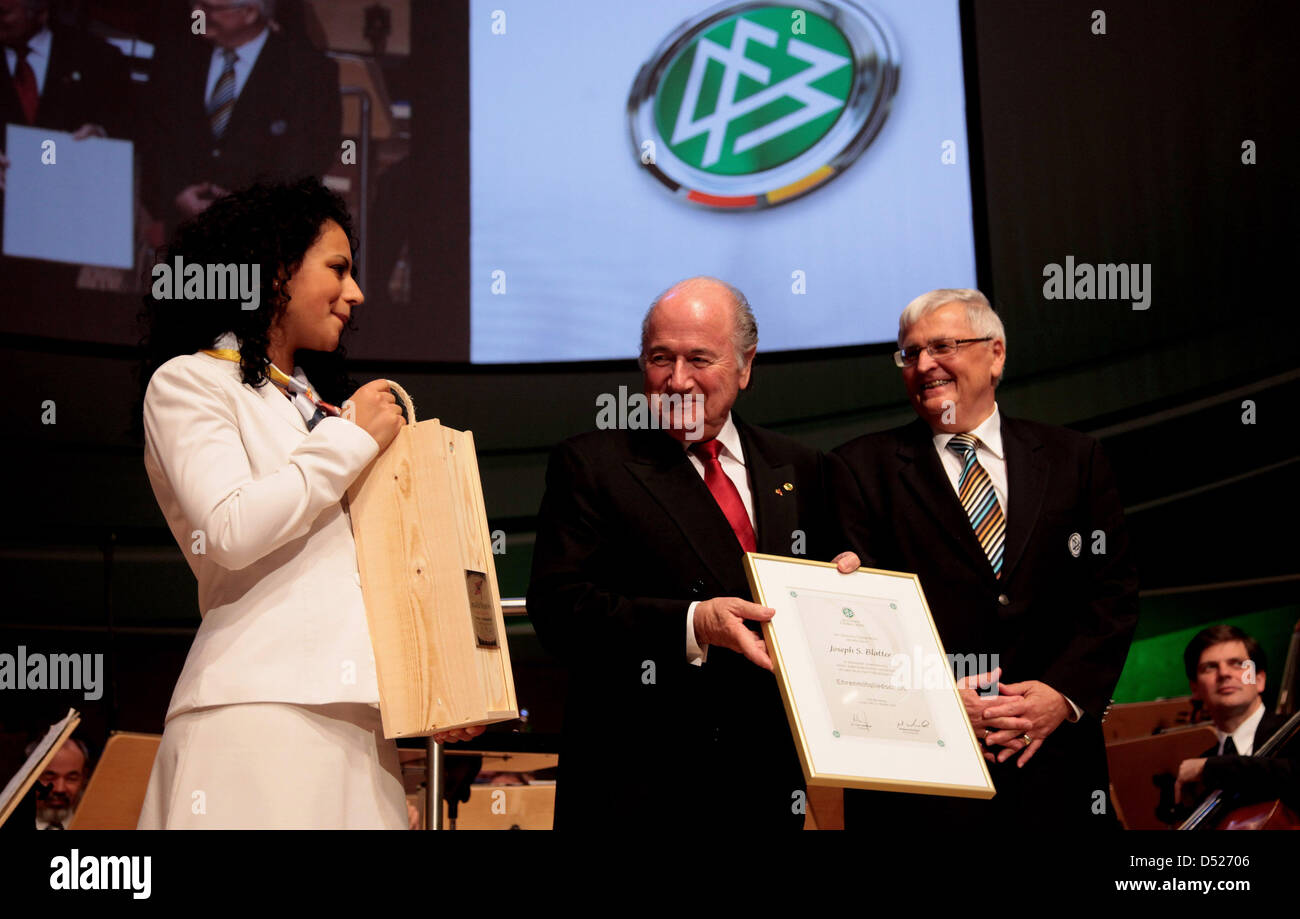 FIFA President Joseph 'Sepp' Blatter (C) is awarded with the honourary membership of German Football - Stock Image