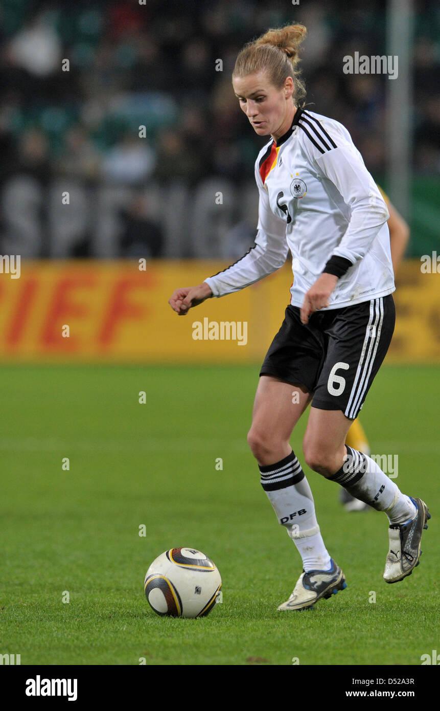 Fu§ball Frauen LŠnderspiel: Deutschland - Australien am Donnerstag (28.10.2010) in der Volkswagen Arena in Wolfsburg. Stock Photo