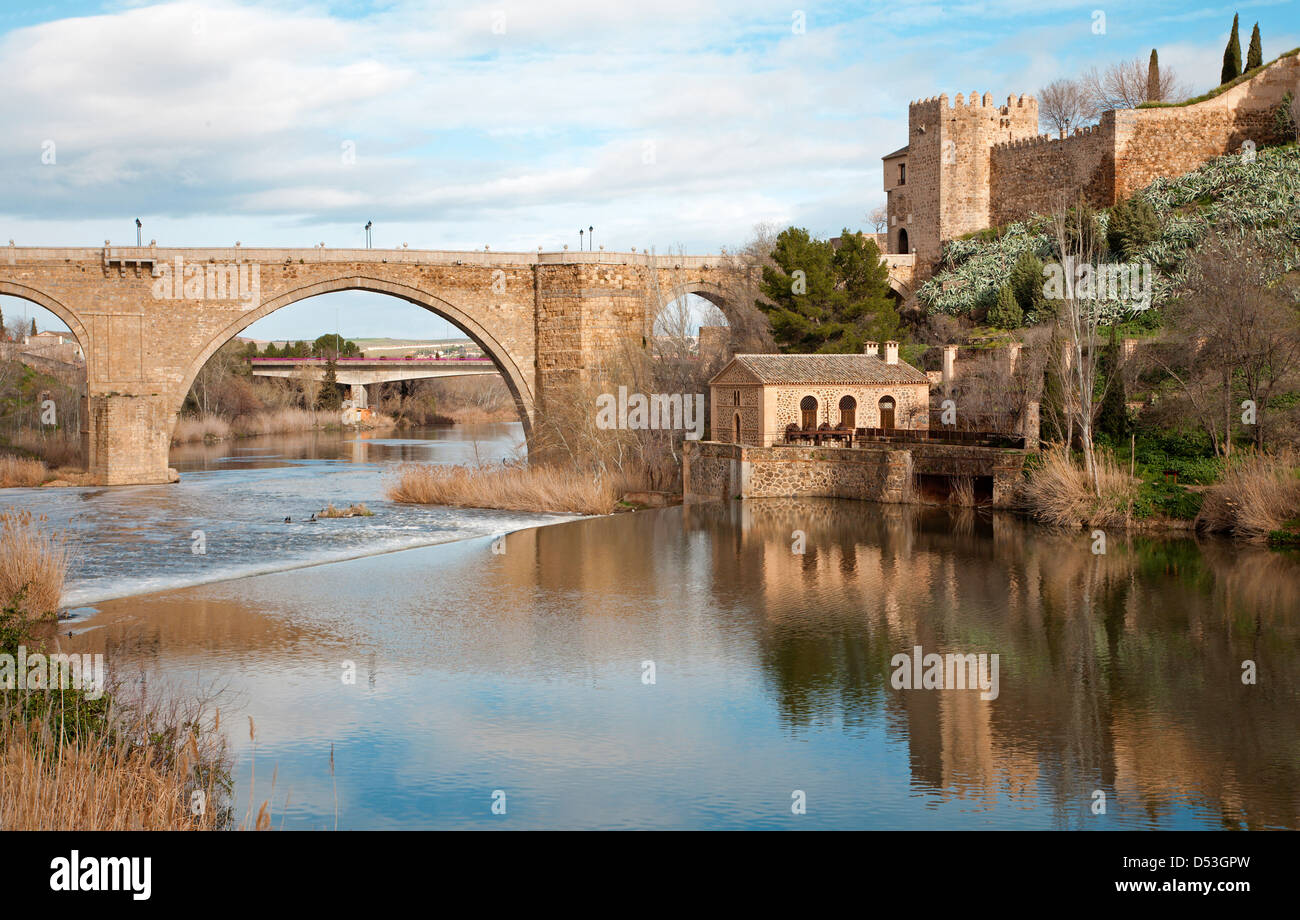 Toledo - San Martin s bride or Puente de san Maritn in morning light - Stock Image