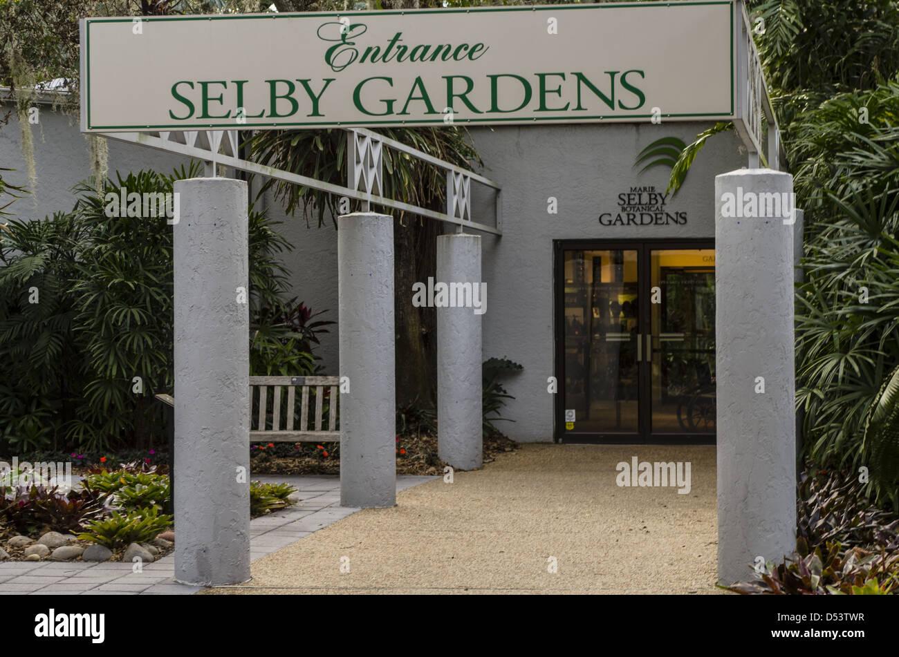 USA, Florida, Sarasota. Selby Gardens entrance. - Stock Image