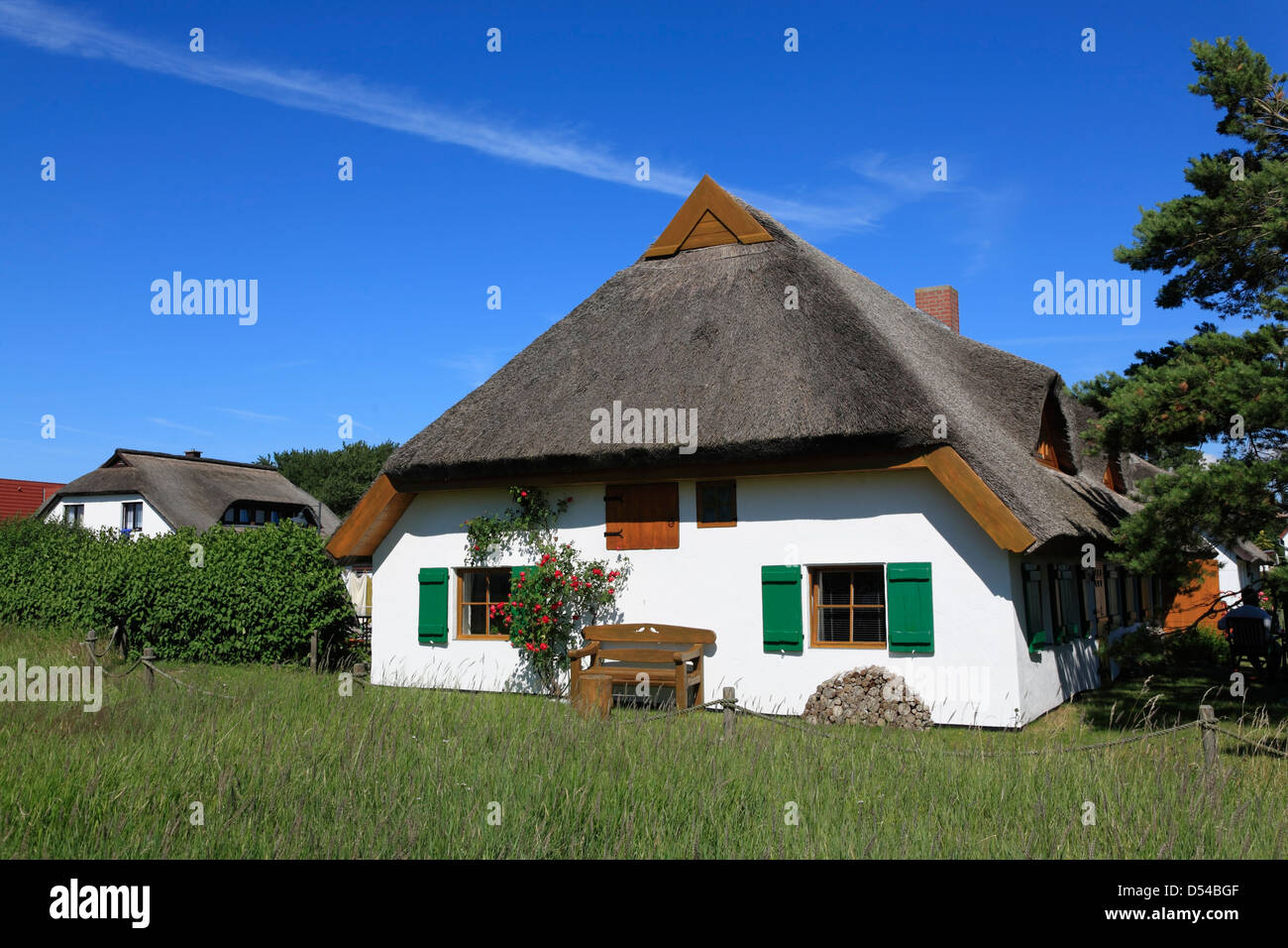 Hiddensee Island, Neuendorf , thatched Holliday home, Mecklenburg Western Pomerania, Germany - Stock Image