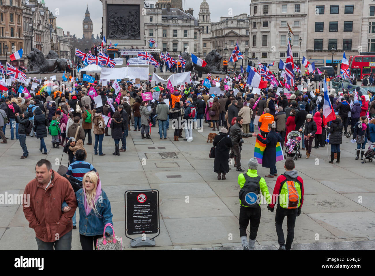 Protesters on both sides of the argument on marriage equality gathered in Trafalgar Square, London. 24 March 2013. - Stock Image