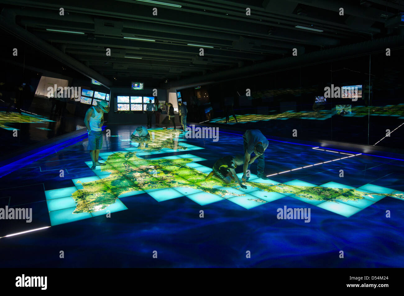 New Zealand Interactive Map.Visitors On Interactive Map Of New Zealand In Te Papa Museum Stock