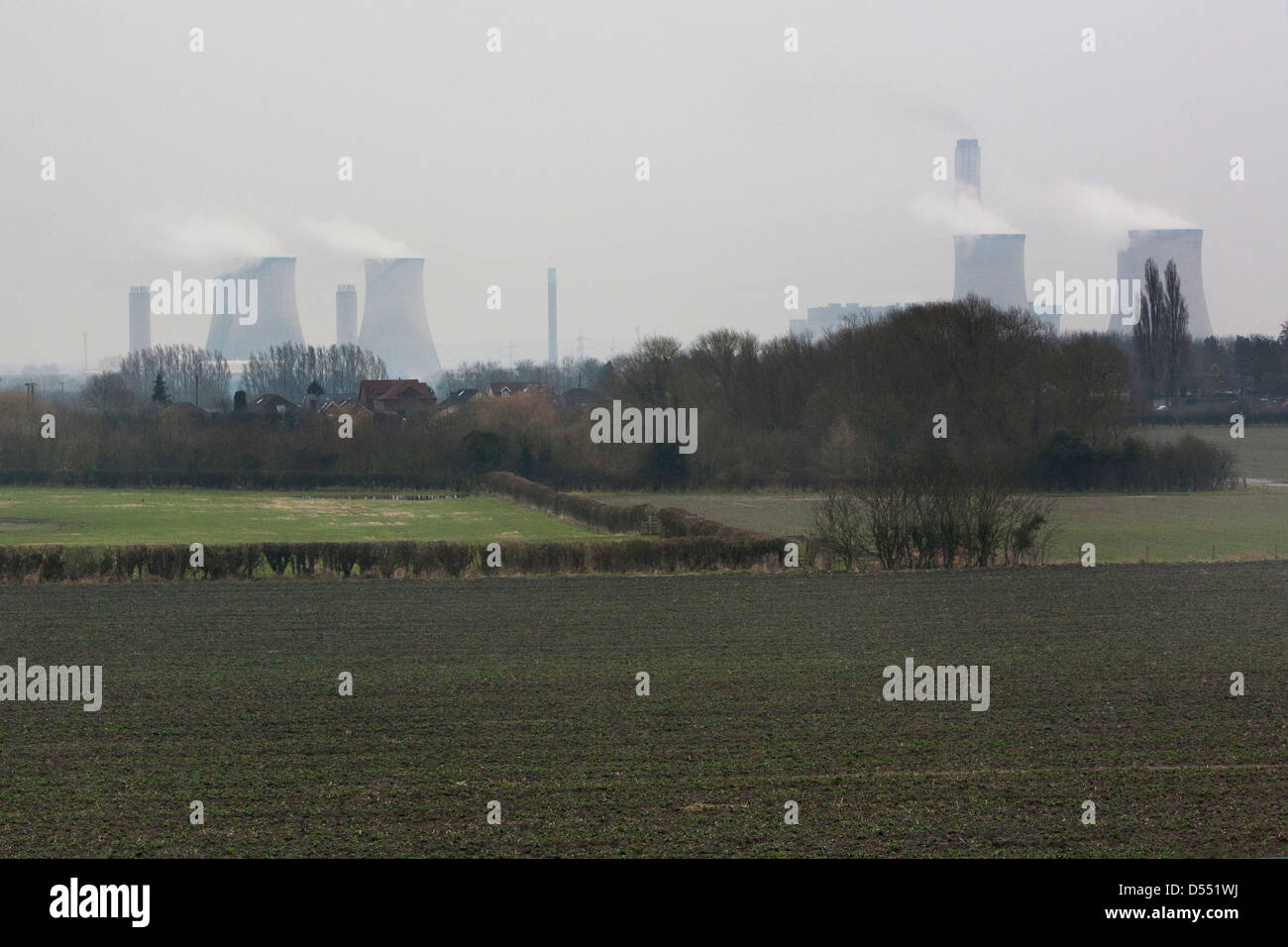 Didcot Power Stations last day of producing electricity when coal fired, its cooling towers producing steam clouds. - Stock Image