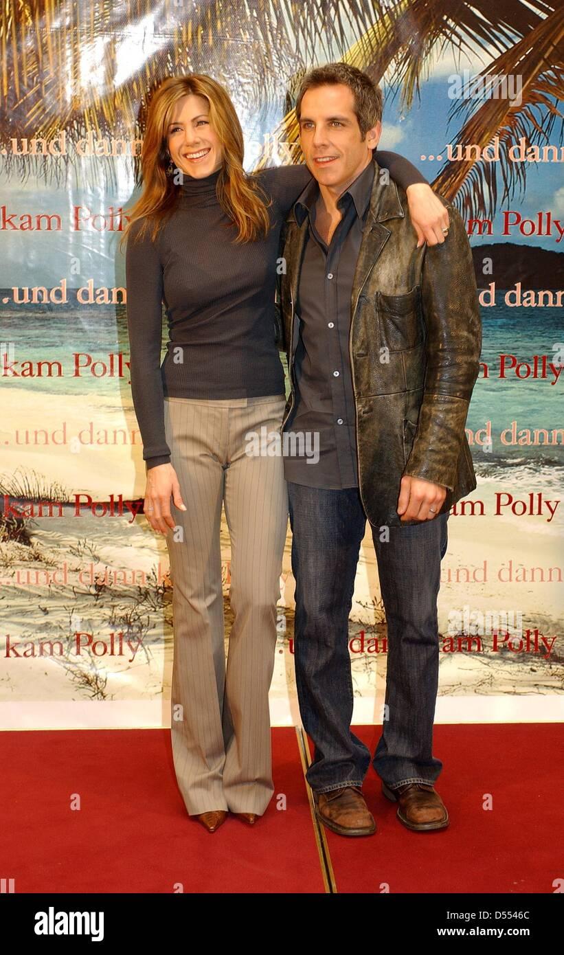 Jennifer and benstill together new photo