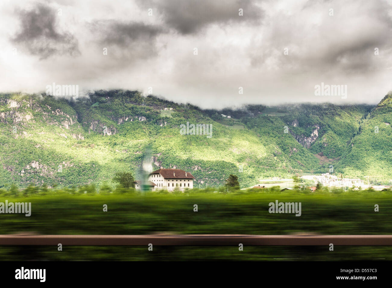 Mansion in rural landscape - Stock Image