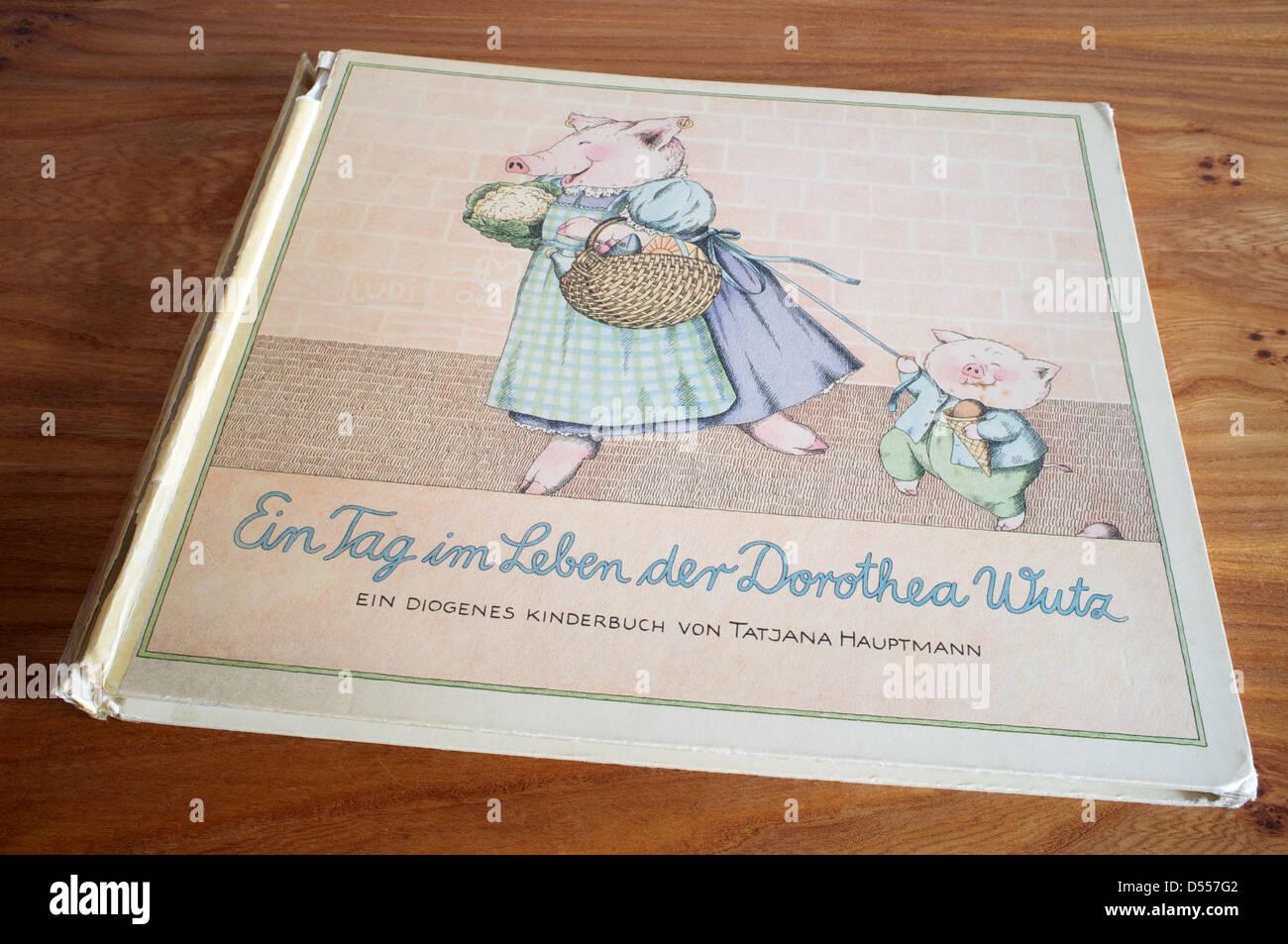 Ein Tag im Leben der Dorothea Wutz, illustrated children's book - Stock Image