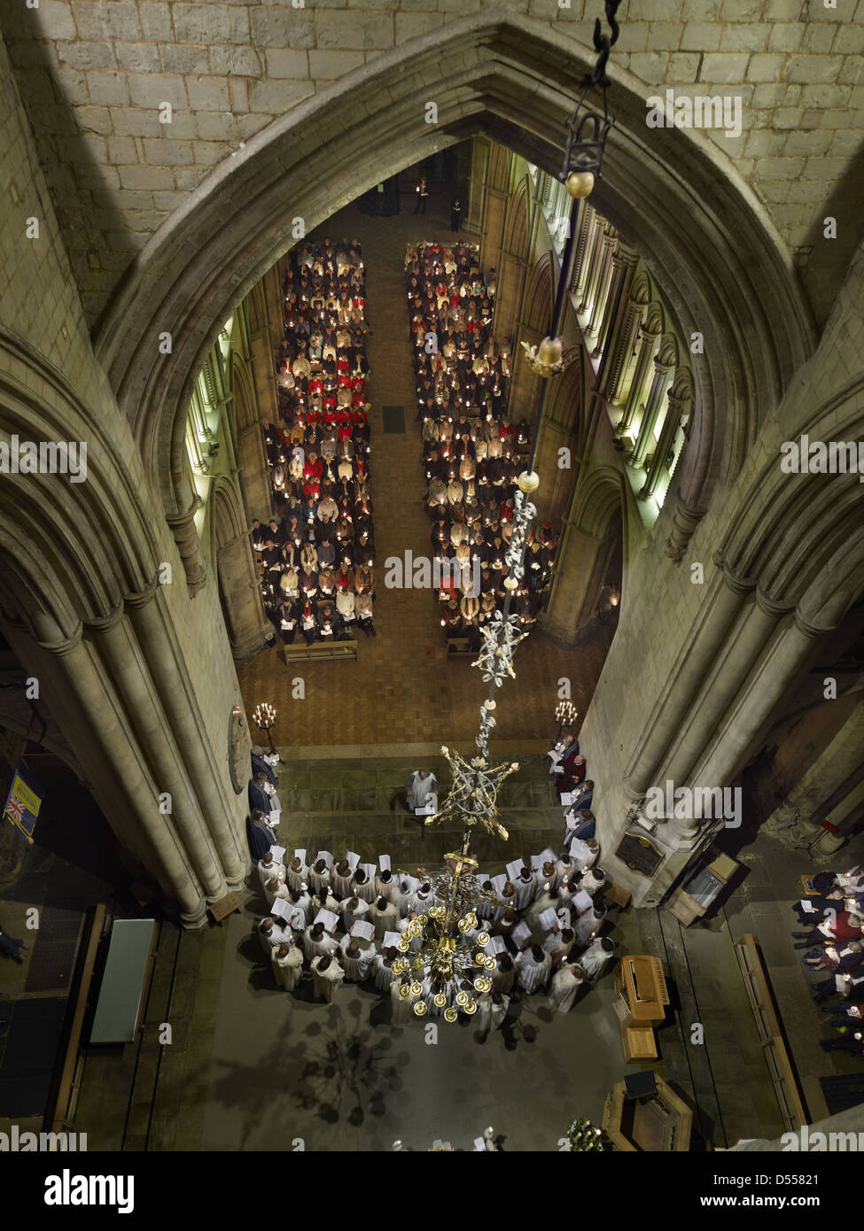 Southwark Cathedral candle lit carol service - Stock Image