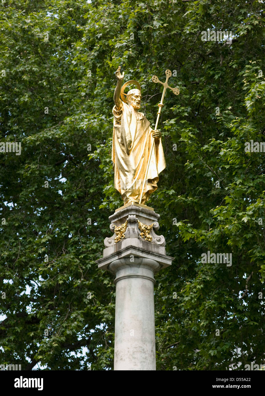 Saint Paul's Cathedral gilded statue of St Paul - Stock Image