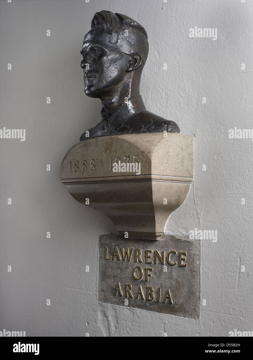 Saint Paul's Cathedral Lawrence of Arabia bust profile - Stock Image