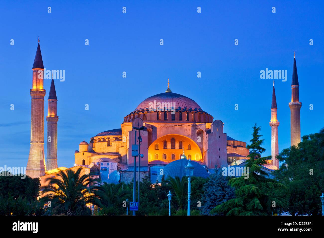 Hagia Sophia or Church of Holy Wisdom floodlit at night, Sultanahmet, Istanbul, Turkey - Stock Image
