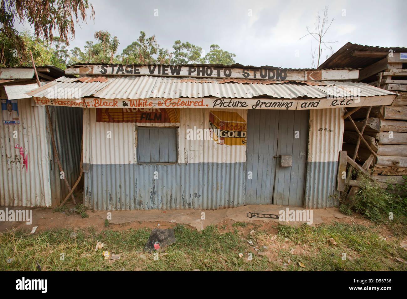 The 'Stage View Photo Studio' Photo Kiosk, Yala province, Kenya. - Stock Image