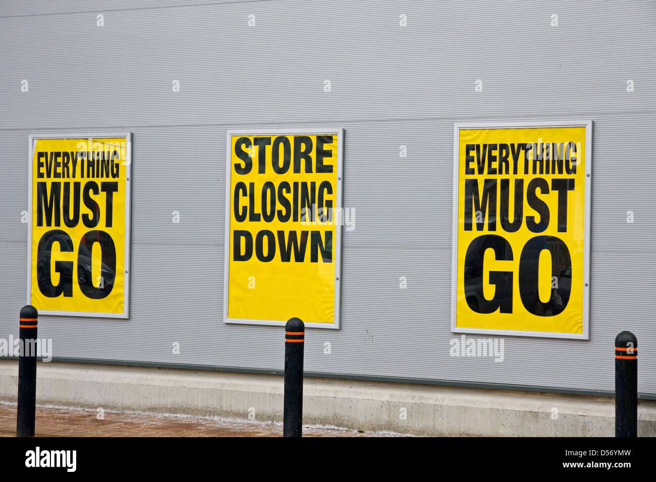 Signs outside store which was closing down - Stock Image