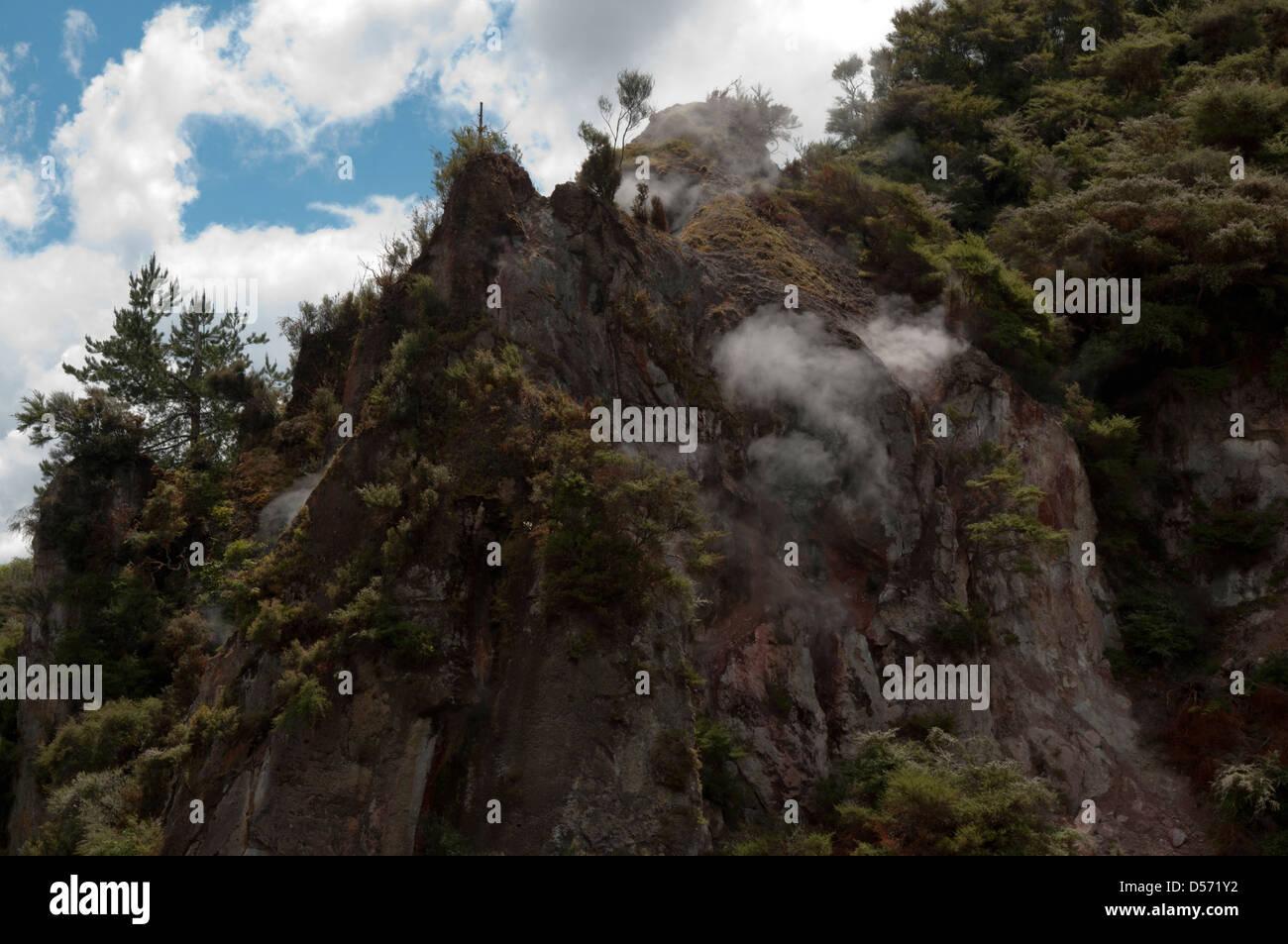 Erupting Mount Tarawera on New Zealand's North Island created at 10 June 1886 the 17 kilometers long Waimangu - Stock Image